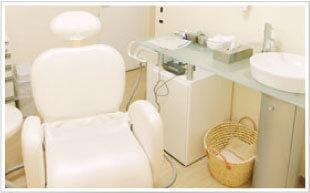 個室の診療スペース